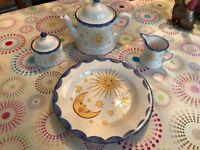 4 piece star and moon design tea set