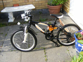 """BOYS CARRERA 20"""" WHEEL BIKE HARDLY USED GREAT WORKING CONDITION AGE 7+"""