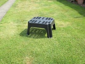 CARAVAN STEP, STRONG DUTY, BLACK PLASTIC, FOR SALE IN VERY GOOD CONDITION.