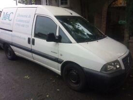 Citroen dispatch van with 650 litre van mount window cleaning tank