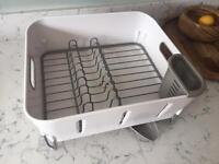 Kitchen dish drainer