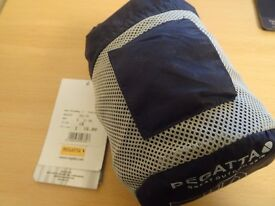 REGATTA WOMENS PACKA MAC IN SIZE 16 AND NAVY BLUE PRICE TAGS SAYS £16