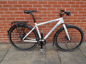 Giant Escape Sub Zero - Men's Medium Hybrid Bike - 8 speed Shimano Alfine Hub Gear with Disc Brakes