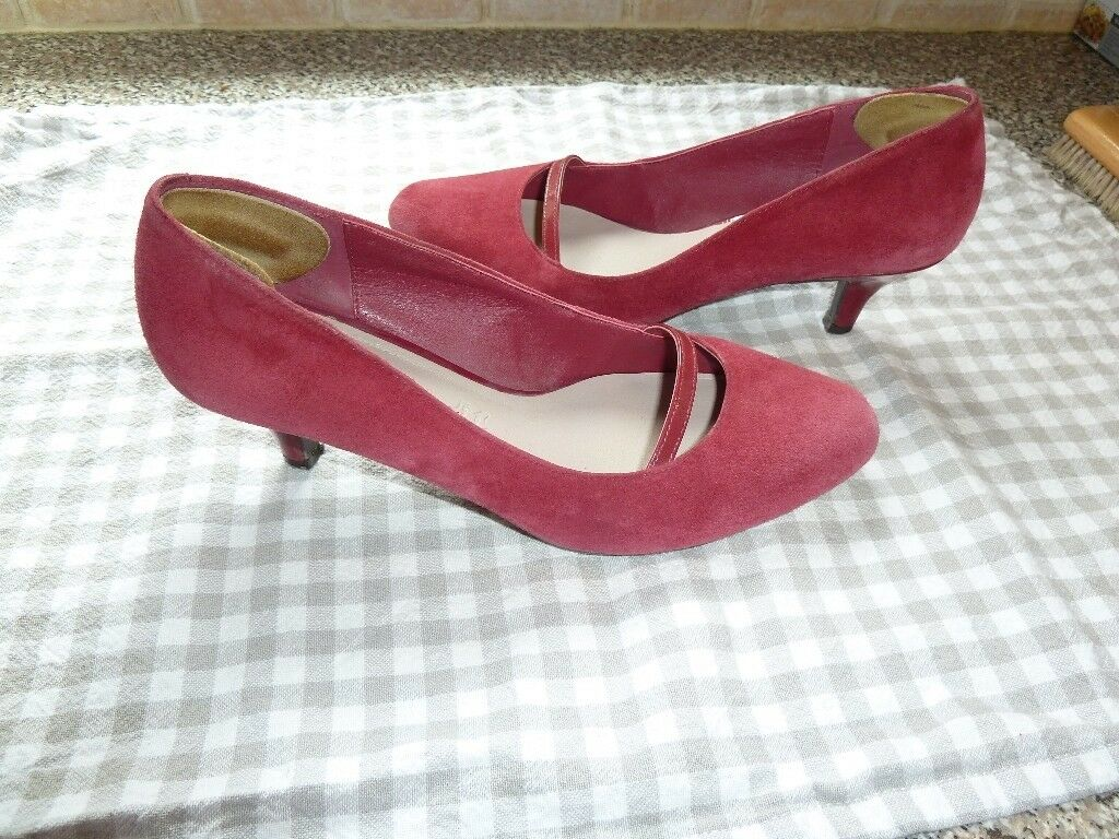 f4710a9af9d7 Ladies red suede court shoes