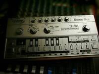 TT 303 bassbot acid monosynth 303 emulation