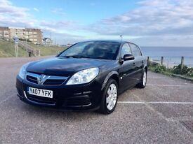 2007 Vauxhall Signum 1.9 CDTi Elegance DIESEL ESTATE. SAT NAV, Sapphire Black. One Owner, FSH,
