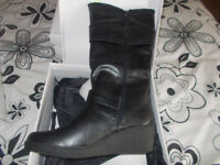Size 4 Ladies Boots BNIB