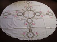 OVAL TABLE CLOTH 165CM AND 4 NAPKINS