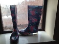 Flowers Wellington boots girl/woman as new- size 4.5