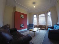 Student bedrooms available now in large house, Kensington