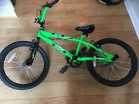 BMX bike with stunt pegs - Avigo Hang 5 - excellent condition