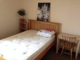 Nice double bedroom to rent in East Croydon. Ideal for a Cabin Crew based in Gatwick!