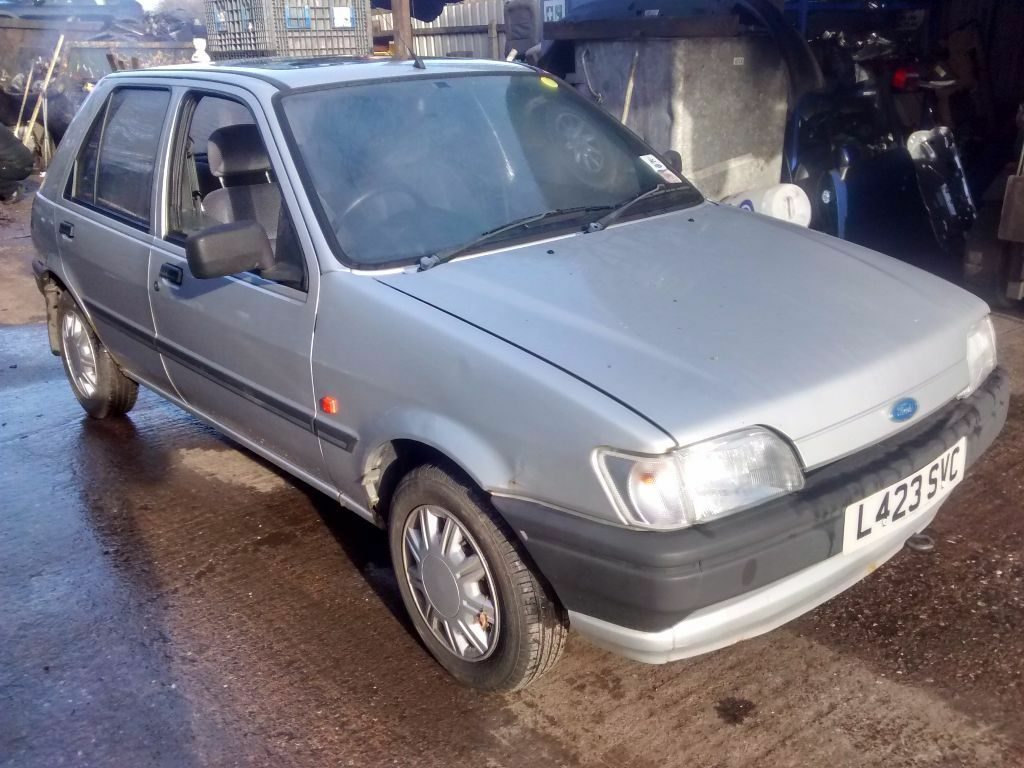 1995 ford fiesta mk3 1 8 d lx 5dr moondust silver breaking for spares in shirley west. Black Bedroom Furniture Sets. Home Design Ideas