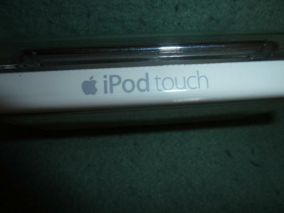 Apple iPod touch 8G 2. Generation Originalverpackung in Bad Berleburg