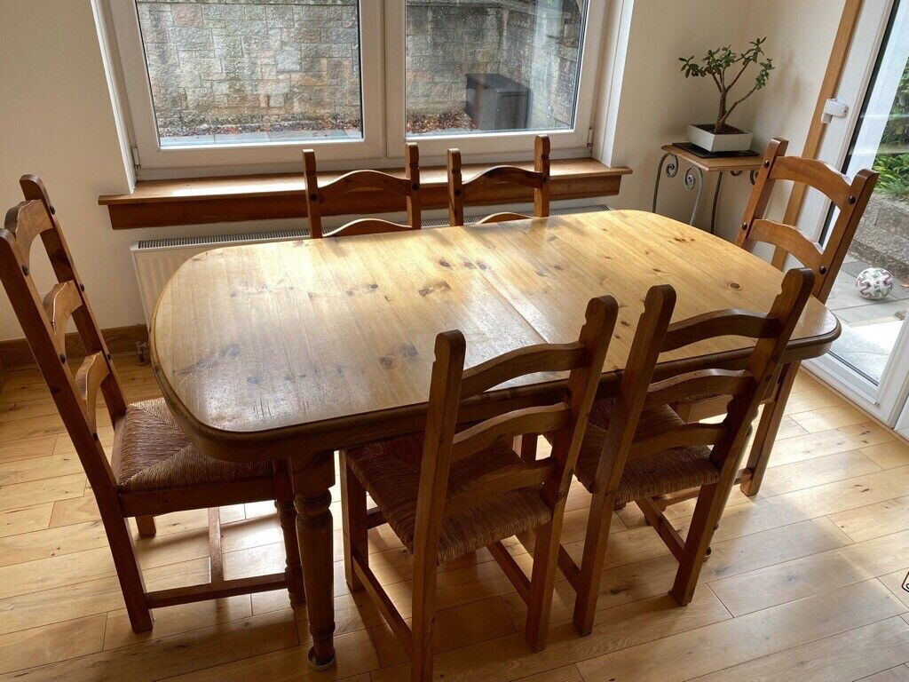Extendable Dining Table & Chairs   Quick Sale   Gumtree