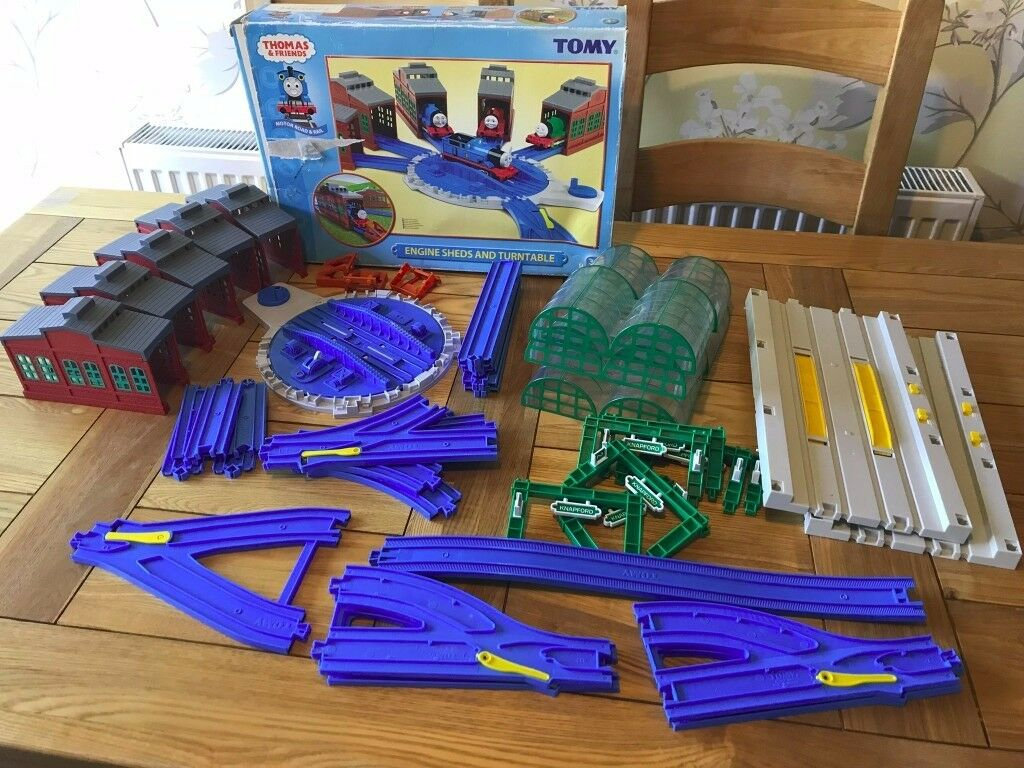 Tomy Trackmaster Thomas And Friends Tidmouth Sheds