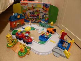 Fisher Price little people train set & Pet Shop & Safari Train