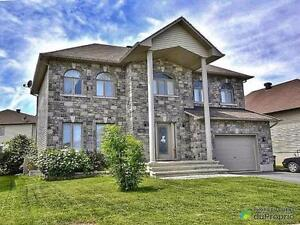 499 999$ - Maison 2 étages à vendre à Aylmer