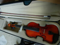 3/4 size violin with bow and case -great starter instrument in great condition