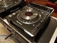 Pair of Pioneer DVJ X1 CD / DVD player - MIX DJ studio