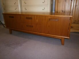 Beautiful top quality, ex-display, retro style g-plan low sideboard / widescreen tv stand