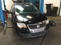 2009 Vw touran 1.9/2.0 tdi bxe bkc bkd engine 5/6 speed gearbox breaking parts Vw caddy front end.