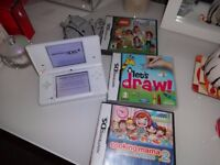 Nintendo DSi with 3 games good working order