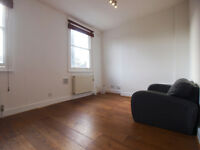 **GAS INCLUDED** Modern 1 Double Bedroom Flat in the Heart of Hampstead Heath & Close to The Tube