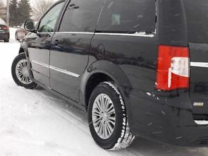 2015 Chrysler Town & Country Touring | NO ACCIDENTS | GREAT DEAL Stratford Kitchener Area image 17