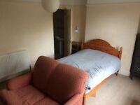 Bright en suite Southville £450/month bills incl