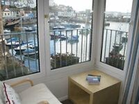 Holiday Cottage. Brixham Harbourside - Sleeps 4 with Parking