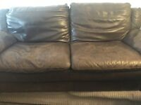 LARGE CHOC BROWN LEATHER 4 SEATER GOOD CONDITION