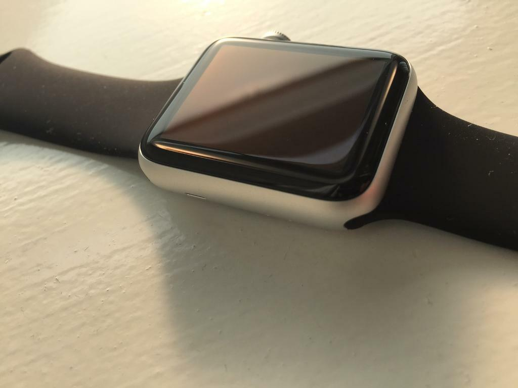 Apple Watch Series 2 42mmin DundeeGumtree - Apple Watch Series 2.42mm Silver Aluminium Case with both Black and White Sports Bands. Also has spare White Band.This has literally been worn once and is therefore in absolutely like new condition.Come with box, charger etc.Not a single mark or...