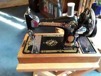 Vintage classic 1939 Singer sewing machine hand cranked
