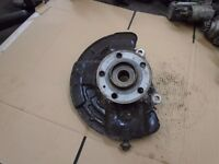 VOLVO S60 V70 00-06 RIGHT DRIVER FRONT WHEEL HUB AND HOUSING P30639997 9461944