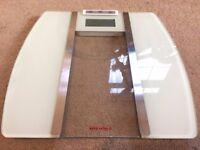 Scales / bathroom scales (digital)