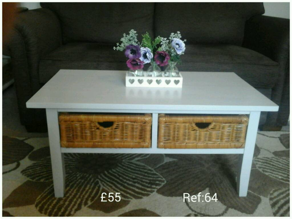 Coffee Table With 2 Wicker Baskets