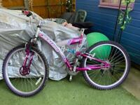 Girls/small ladies bike