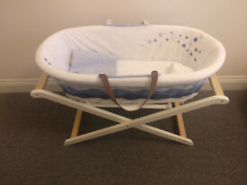 Moses Basket + Moses Basket support - Perfect conditions - smoke/pets free house - pickup only