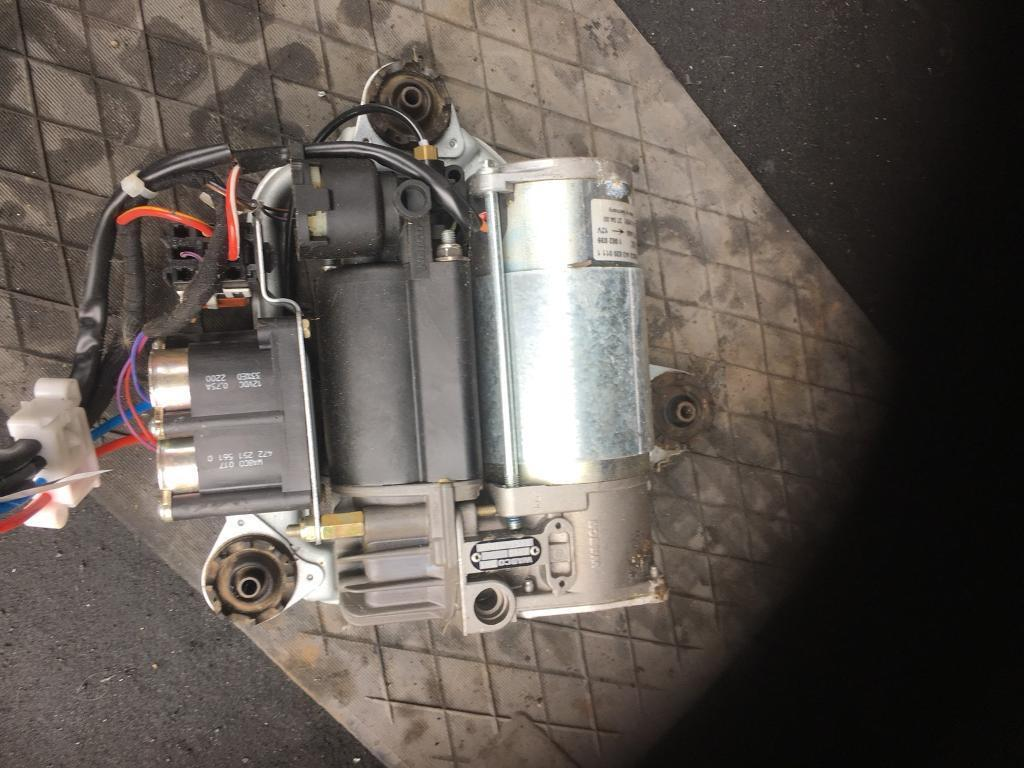 BMW X5 air compressor good working order. Out of 2003