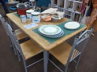 [SLC1/276] Excellent spacious pine topped dining table & 6 matching chairs W 90cm x L 151cm x H 74cm