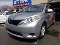 2013 Toyota Sienna LE 2/AC  BLUETOOTH DVD  7 PASS QUAD SIEGES
