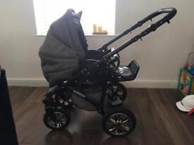 3 in 1 pram / push chair / car seat