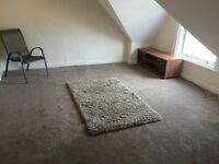 Large double room close to Felixstowe Town Centre & Sea Front.