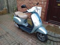 2005 Piaggio Vespa 50 automatic scooter, new 1 year MOT, not restricted, does 45mph, not zip aerox,,