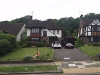SB Lets are delighted to offer a lovely luxury three bedroom House in Woodland Drive, parking.