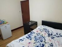 Double Room to Rent in shared house Nice & Clean Near Silver Street Station N18