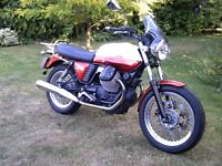 2014 Moto Guzzi V7 Special, Candy Red / White only 2900 miles, 1 Owner
