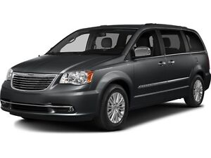 2016 Chrysler Town & Country Touring-L w/ Leather & Backup Ca...