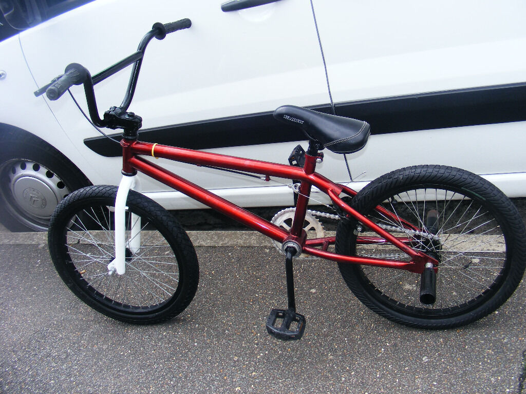 """BLANK 20"""" WHEEL BMX WITH STUNT PEGS IN GREAT WORKING ORDER AGE 8in Tiptree, EssexGumtree - BLANK BMX age 8 WITH STUNT PEGS 20"""" WHEEL GOOD TYRES AGE 8 ADULT BRAKE IN GOOD WORKING ORDER VIEWING WELCOME phone Carole 07980023086 tiptree,colchester,essex co50ds LOCAL DELIVERY POSSIBLE PLEASE ASK DETAILS"""